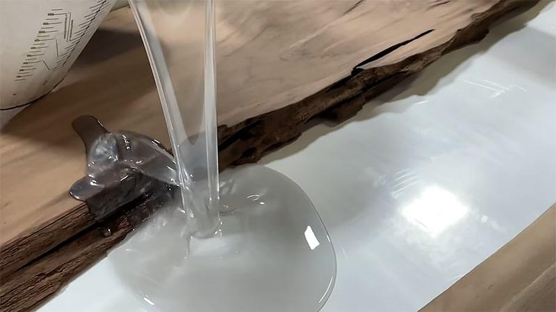 Was man beachten muss, wenn man Epoxidharz Tisch